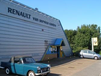 Universal garage whitby online for Renault service garage